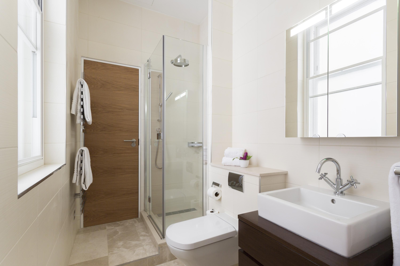 Hitta mer om dusch på roomly.se