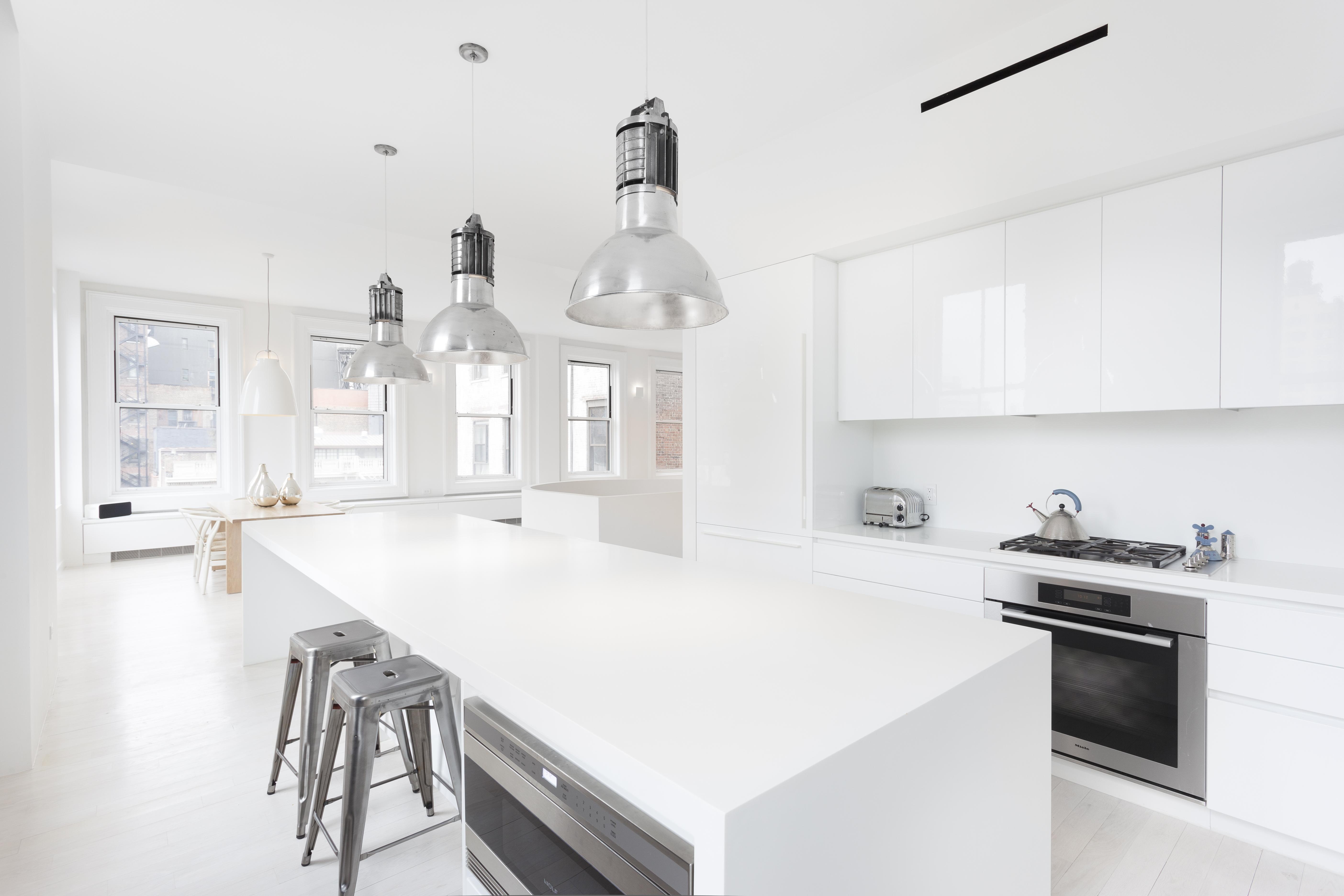 Hitta inspiration ljust, modernt och renoverat kök. vitt inslag ...